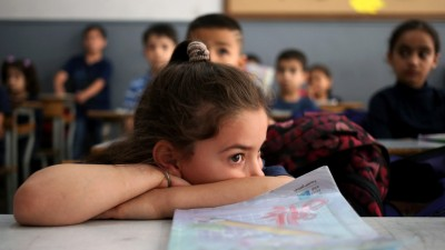 syrian-refugee-student-in-beirut