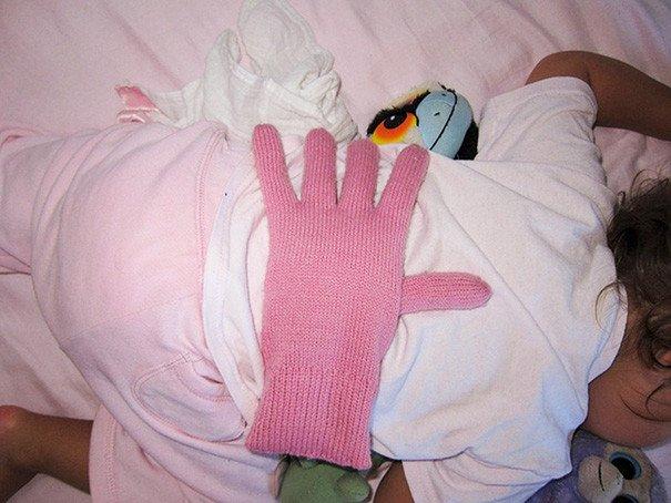 перчатка