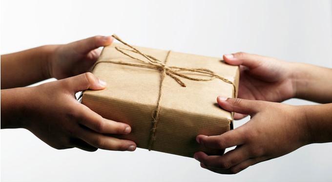 http://www.psychologies.ru/roditeli/nujno-li-detyam-uchastvovat-v-blagotvoritelnosti/