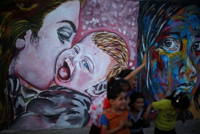 http://fotorelax.ru/interesnyj-strit-art-s-ulic-raznyh-gorodov/